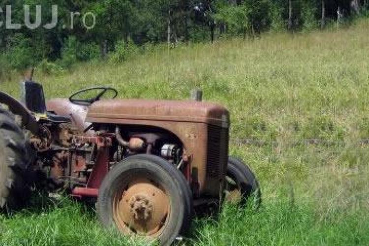 """A inceput """"Rabla"""" pentru tractoare: statul da 17.000 de lei pentru un tractor casat"""