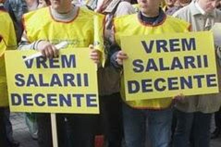 Sindicalistii din invatamant acuza conducerea Inspectoratului Scolar ca santajeaza scolile