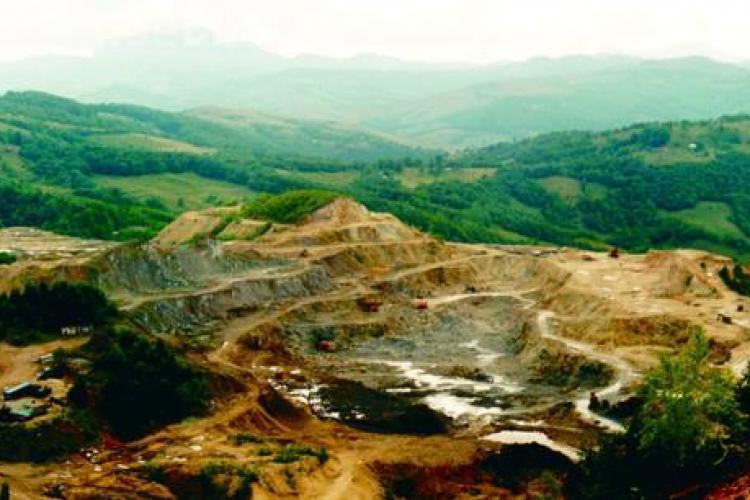 Un expert minier de la Facultatea de Geografie din Cluj ii cere presedintelui Traian Basescu sa blocheze proiectul Rosia Montana