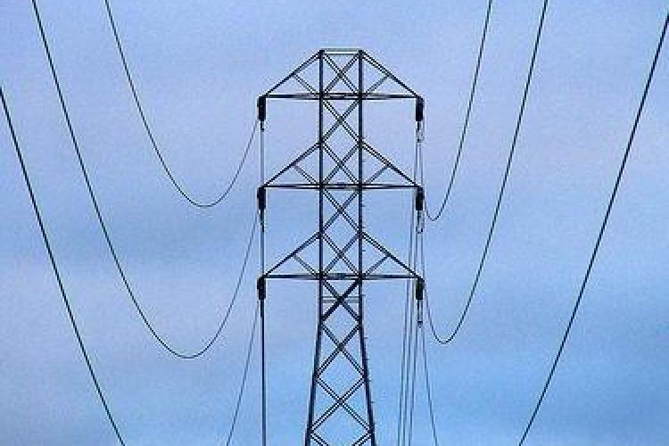 Factura la energie electrica va creste de la 1 aprilie cu 4,5%