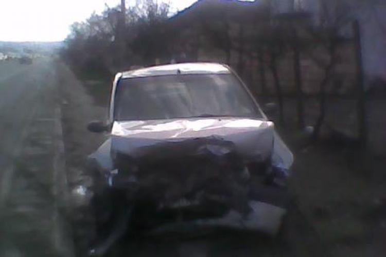 Accident grav la Jucu! Doua autoturisme au fost implicate si mai multe persoane sunt ranite