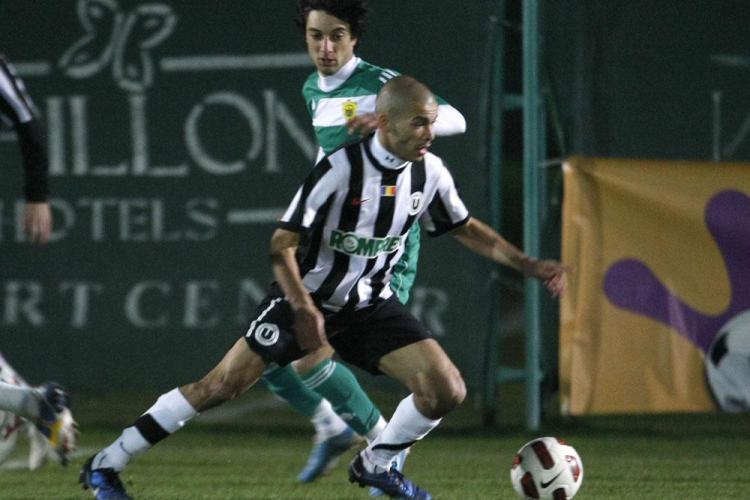 Marius Avram arbitreaza marti meciul Gloria Bistrita-Universitatea Cluj