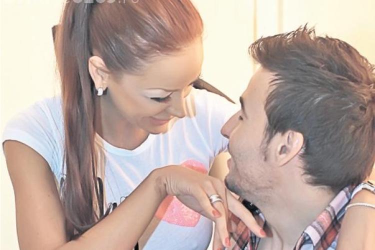 """Vezi inelul de logodna primit Bianca Dragusanu de la """"Printul"""" Cristea! - FOTO"""