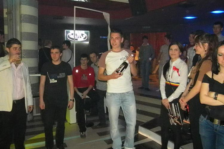 "Un student canta senzational o doina de dor la concursul ""Studentii au talent"" organizat de USAMV Cluj! VEZI VIDEO"