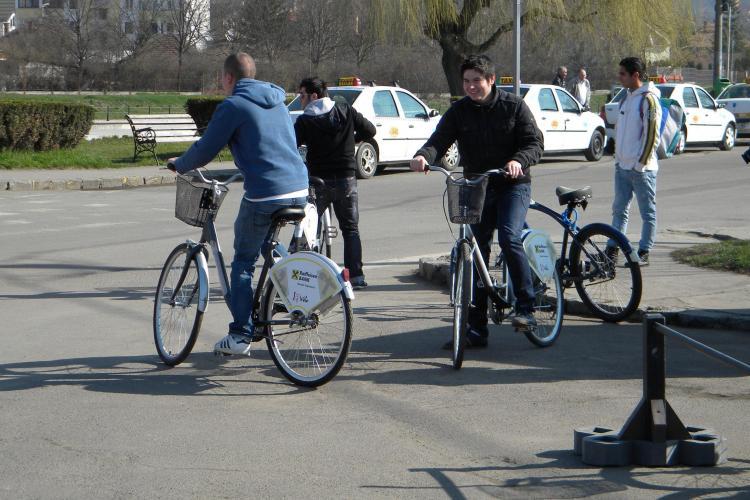 Un milion de euro pentru amenajarea a 50 de statii de inchiriere de biciclete in Cluj Napoca si a 22 de km de trasee! - VEZI detalii VIDEO
