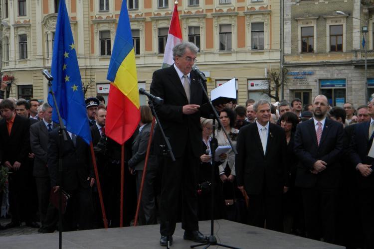 PSD Cluj: La inaugurarea statuii lui Matei Corvin au fost doua steaguri romanesti, intr-o mare de steaguri unguresti!