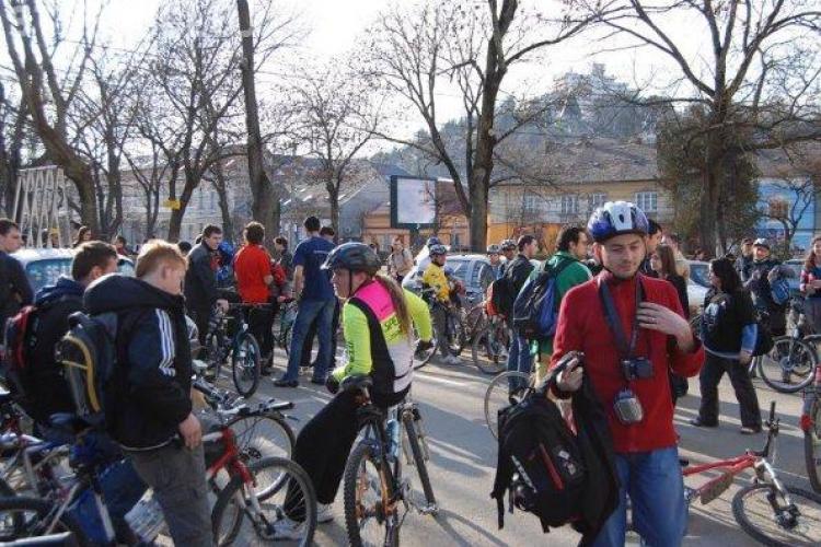 Biciclistii ies in strada, joi, 24 martie! Vezi programul si traseul