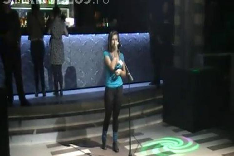 "O tanara sexy a incins atmosfera la ""Studentii au talent"" de la Cluj!- VIDEO"