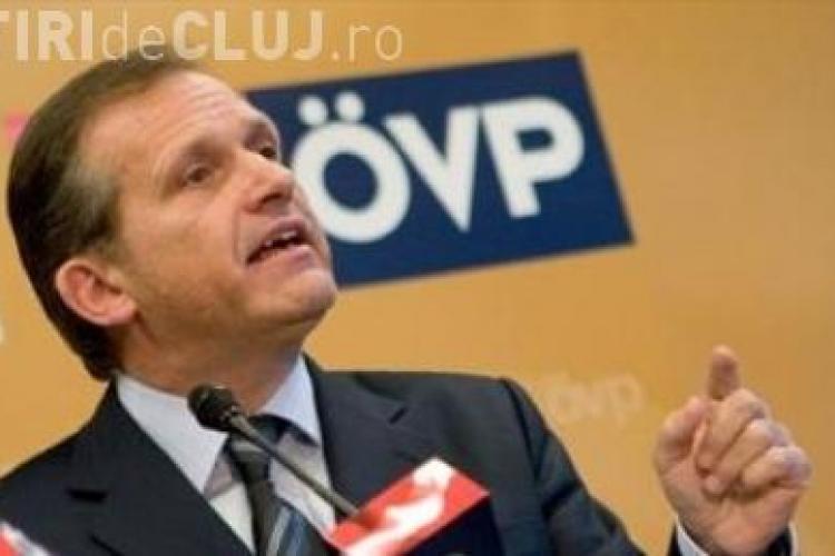 "Eurodeputatul austriac Strasser demisioneaza in urma scandalului de ""spaga"" in care este implicat si Adrian Severin"