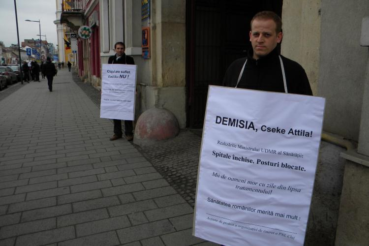 Liberalii din Cluj au protestat si sambata fata de criza financiara de la Institutul Inimii! - VIDEO si FOTO