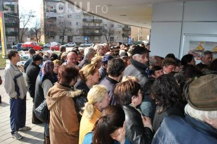 Bataie pe detergent pe Aurel Vlaicu la magazinul miniMax Discounts!