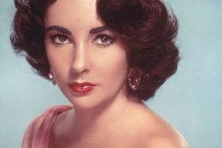 Elizabeth Taylor a murit - VIDEO