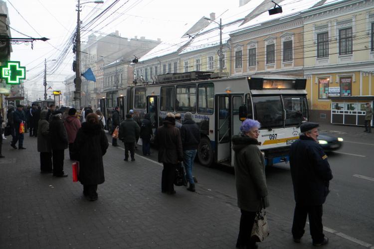Studentii din Cluj risca sa piarda reducerile la abonamentele pe autobuze pe perioda vacantelor!