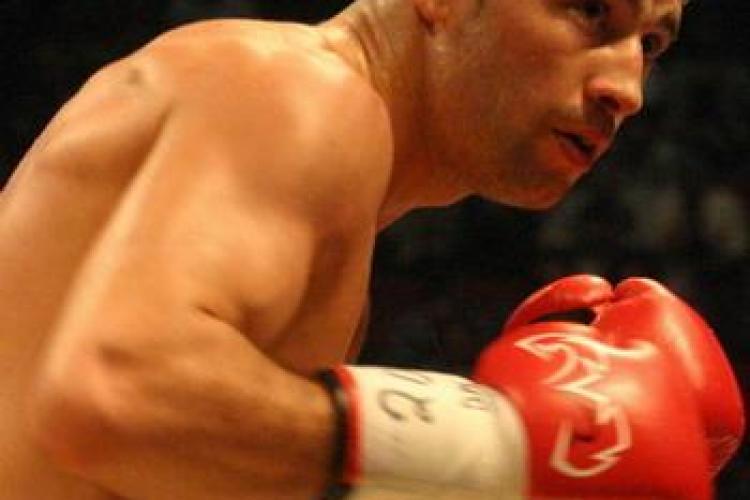 Lucian Bute boxeaza pentru titlul mondial in 9 iulie in Romania