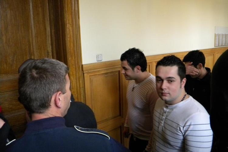 """Suspectii din dosarul """"Jaf la Banca Transilvania"""" raman in arest - VIDEO"""