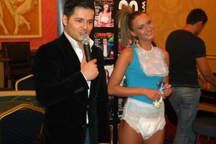 Liviu Varciu, invitat sa suga ... biberonul, la Miss Hostess Cluj 2011 - VEZI VIDEO