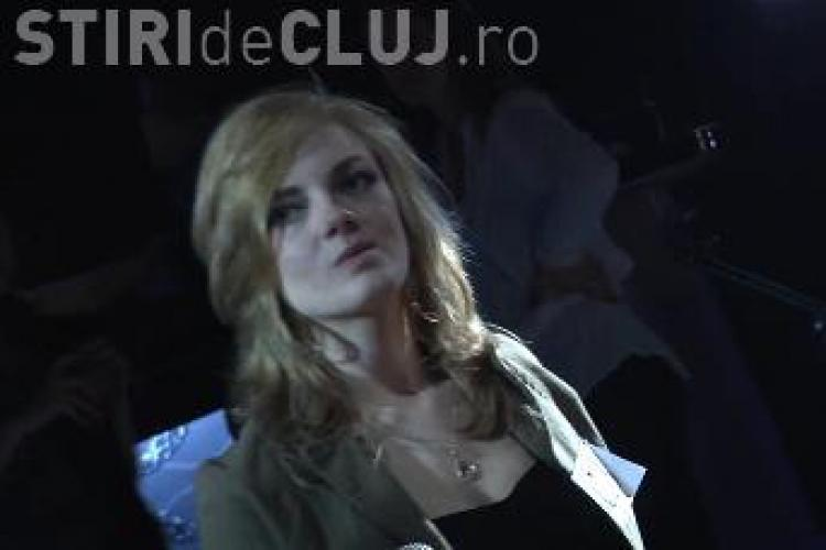 "Alexandra Iuga a cantat piesa ""Suflet gol"" a Madalinei Manole la ""Studentii au talent"" - VIDEO"