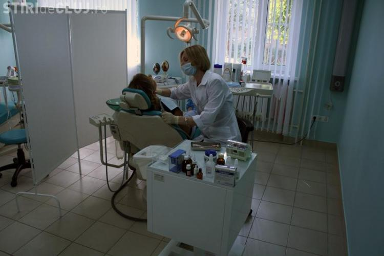 1.500 de clujeni cu venituri modeste si-au reparat dintii pe gratis la UMF Cluj! VIDEO