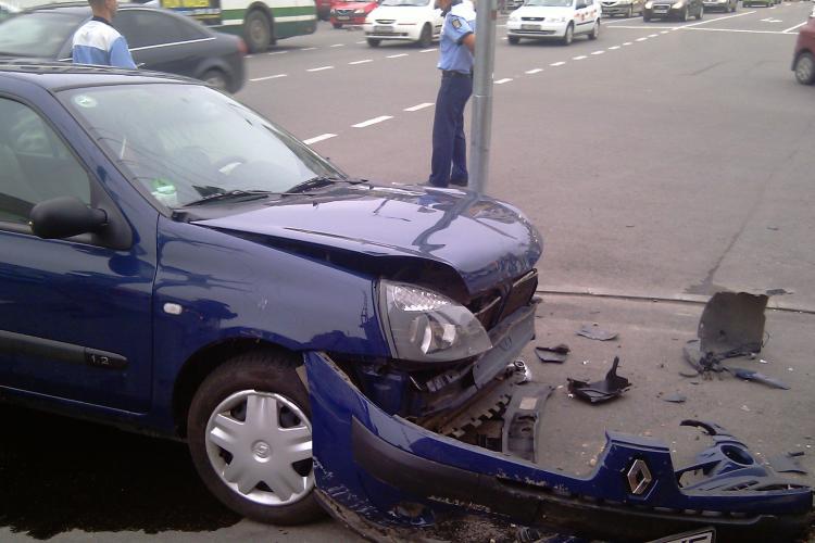 Accident pe Calea Turzii la intersectia cu strada Brasov! Trei masini implicate VIDEO