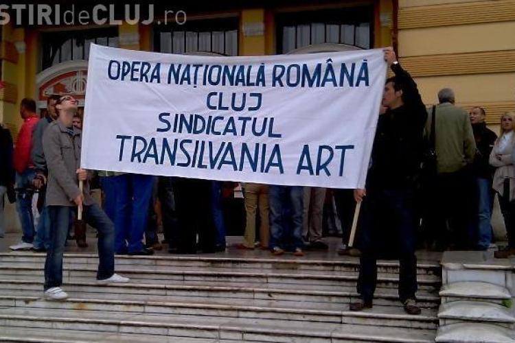 Angajatii de la Opera Nationala cer demisia directorului Rares Trifan