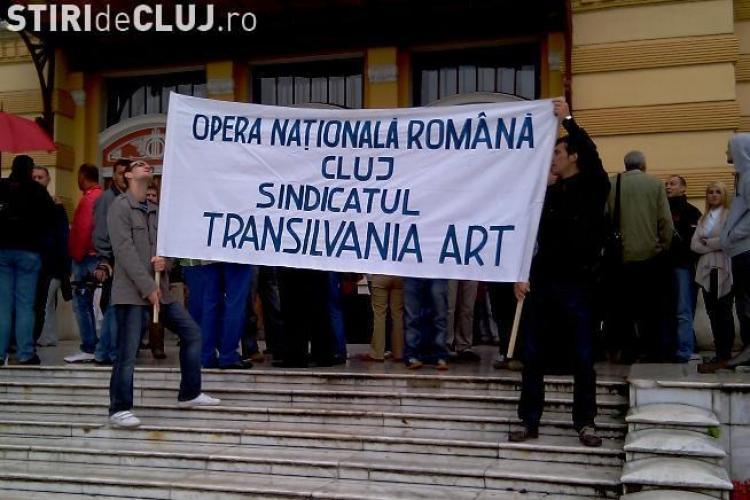 Directorul Operei Romane din Cluj, Rares Trifan, acuzat ca ia 25.000 de lei pentru regizarea unui spectacol