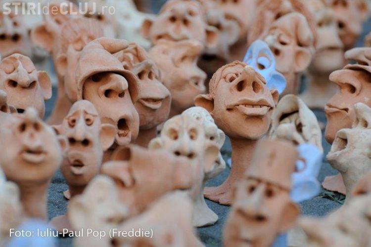 5.000 de figurine de ceramica, expuse pe pietonala de pe Eroilor, intr-o actiune umanitara - FOTO