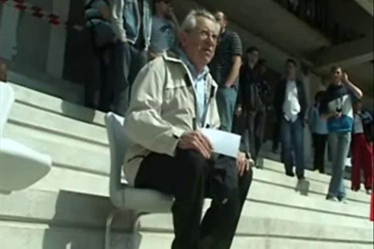 """Stadionul """"Cluj Arena"""", vizitat de cateva mii de clujeni in a doua zi de Pasti - VIDEO"""