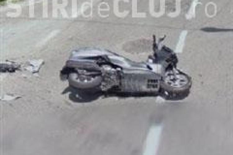 Accident pe varianta ocolitoare Cluj Est! Un mopedist din Sannicoara a fost grav accidentat , dupa ce nu a cedat  trecerea!