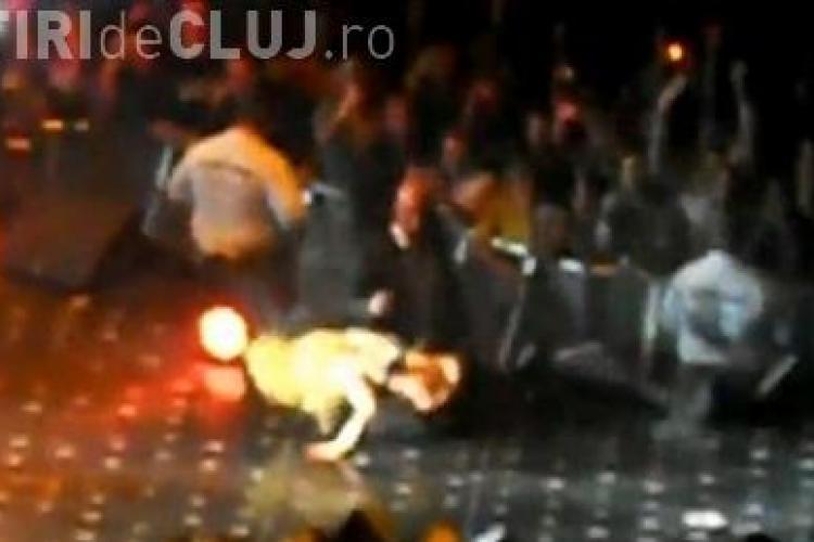 Lady Gaga a cazut in timpul unui concert! VEZI VIDEO