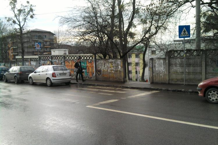 "Treceri de pietoni ""invizibile"" in Cluj Napoca! VEZI FOTO"