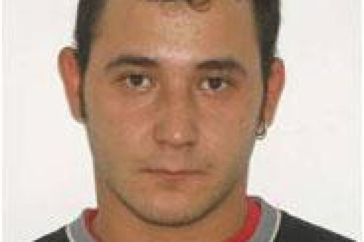 Un tanar clujean de 26 de ani este dat disparut! Vezi Foto si semnalmentele!