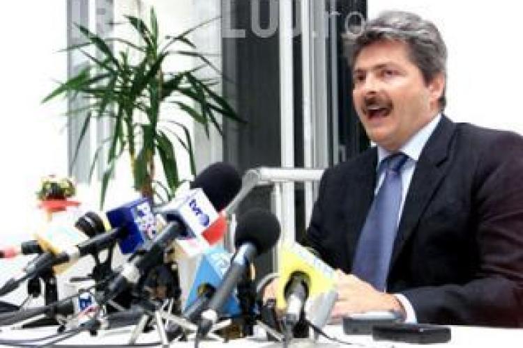 Sorin Ovidiu Vantu a fost retinut de procurori pentru santaj