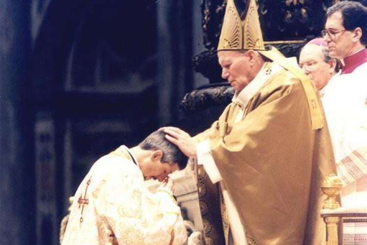 Interviu cu PS Florentin Crihalmeanu, despre beatificarea Papei Ioan Paul al doilea!