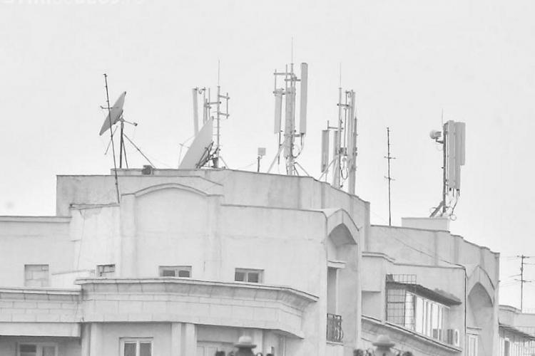 Compania RDS&RCS nu primeste avizul pentru montarea de antene pe blocurile de pe strazile Clabucet si Liviu Rebreanu