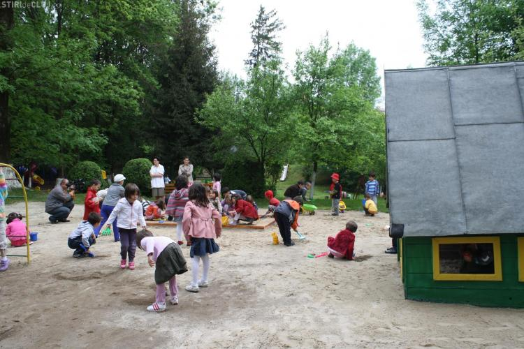 """Gradinita """"Alba ca zapada"""" are un loc nou de joaca pentru copii VEZI FOTO"""