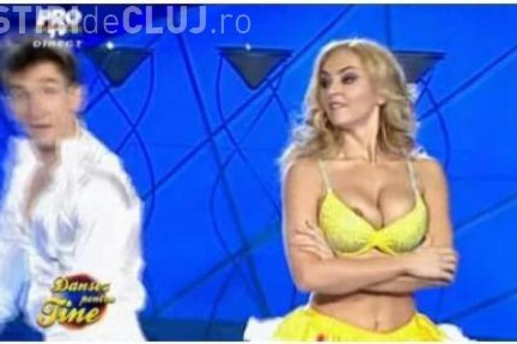 "Roxana Ionescu si Corina Bud, cu sanii la vedere la ""Dansez pentru tine"" VIDEO"