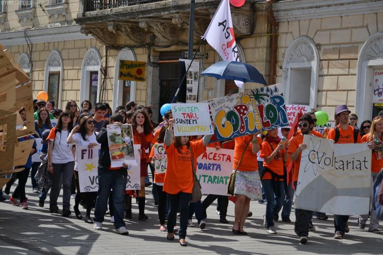 Voluntarii au marsaluit prin centrul Clujului! FOTO