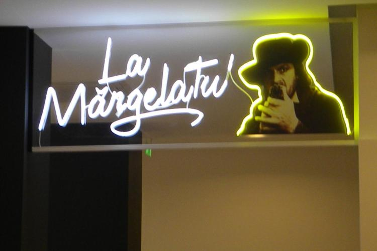 "Terasa ""La Margelatu'"", din fata cinema Florin Piersic, inaugurata inainte de TIFF 2011"