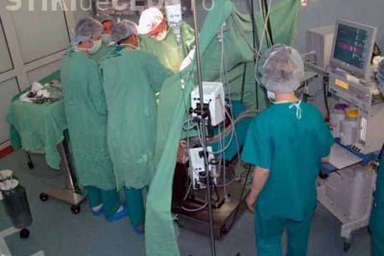 Chirurgii de la Clinica de Ortopedie Cluj au oprit operatiile de teama bacteriei care provoaca enterocolita! VEZI marturiile unui pacient