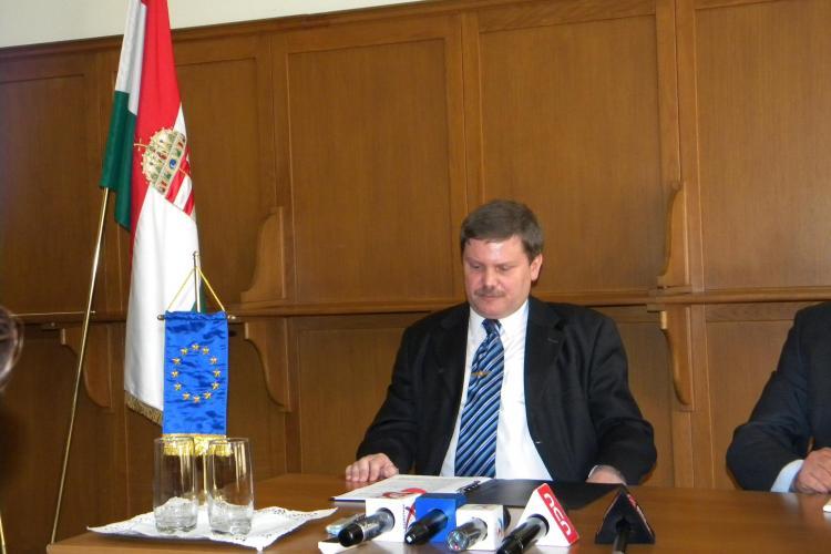 """Consulul Ungariei la Cluj cere indepartarea placutei lui Nicolae Iorga de langa statuia lui Matei Corvin: """"Agita spiritele!"""" - VIDEO"""