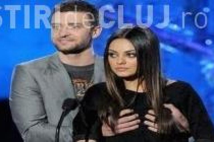 Justin Timberlake a prins-o pe Mila Kunis de sani la MTV Movie Awards VIDEO