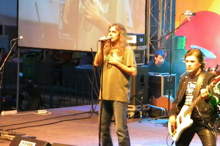 ZILELE CLUJULUI: Concertul Iris din Piata Unirii, urmarit de 12.000 de oameni - VIDEO LIVE piesa Baby