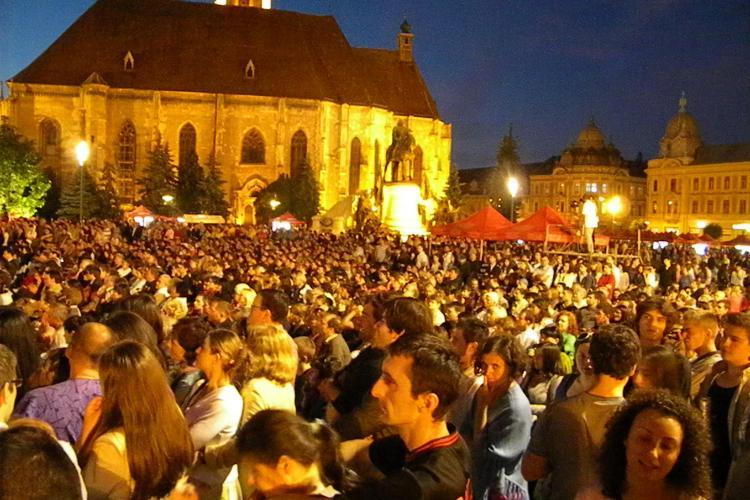 ZILELE CLUJULUI: Arii din opere celebre au rasunat in Piata Unirii VIDEO
