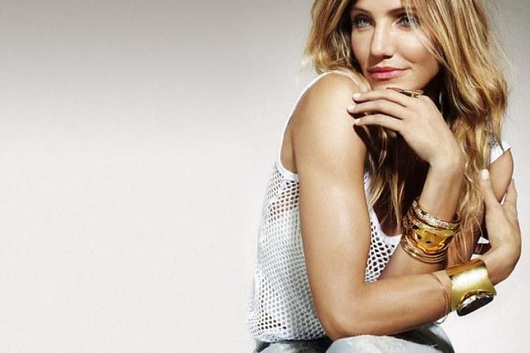 Cameron Diaz, sexy in Cosmopolitan - FOTO