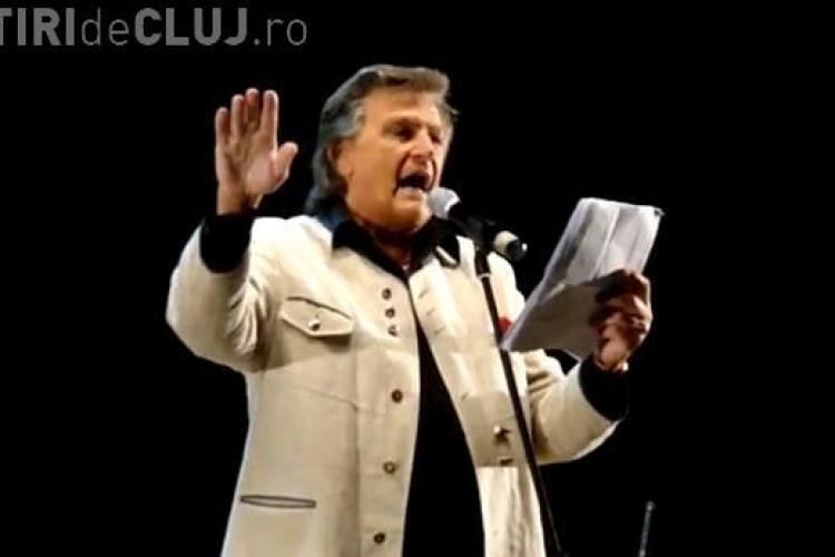 """ZILELE CLUJULUI: Florin Piersic a recitat poezii in Piata Unirii. Vezi cum a interpretat """"Dor de Cluj"""" VIDEO"""