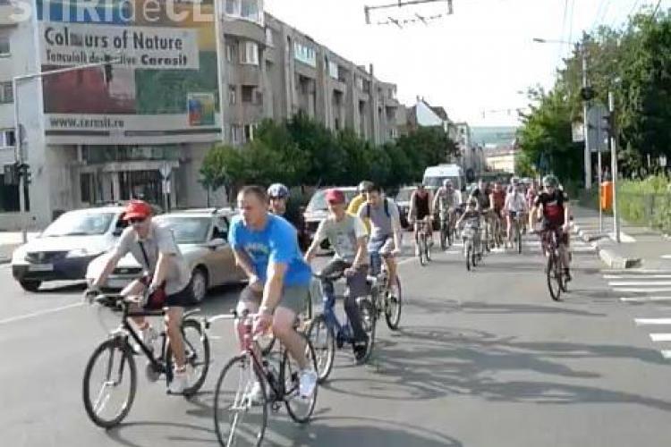 Biciclistii clujeni, in mars de Ziua Mediului VIDEO