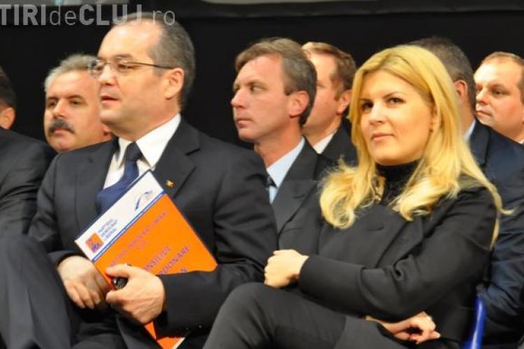 Boc si Udrea, cei mai vizibili politicieni pe Facebook