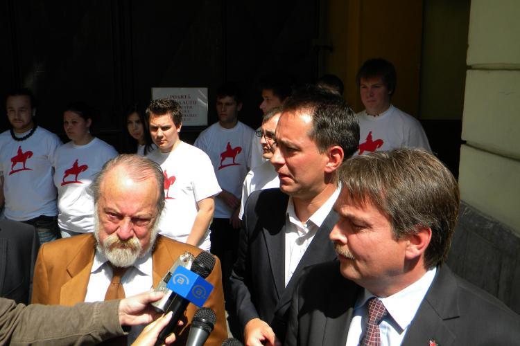 Protest maghiar in Consiliul Local! UDMR a parasit sala de sedinte alaturi de un grup de tineri maghiari VIDEO si FOTO