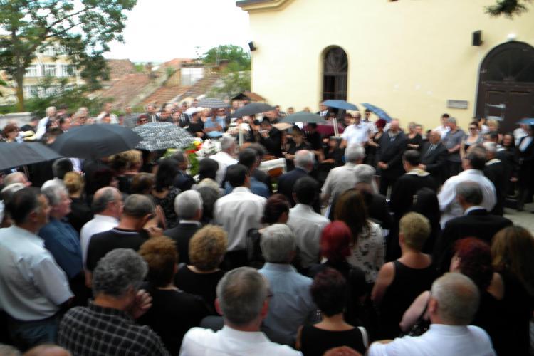 Grigore Pop, condus pe ultimul drum de sute de clujeni si personalitati din Cluj - VIDEO si FOTO