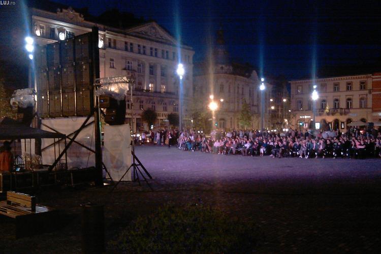Spectacolul Tosca, transmis in aceasta seara, in Piata Unirii, direct de la Valencia